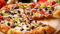 مكونات عجينة البيتزا
