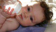 الاطفال حديثي الولادة شرب الماء