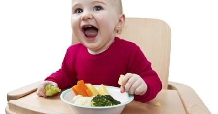 جدول تغذية الطفل بعد العام الاول