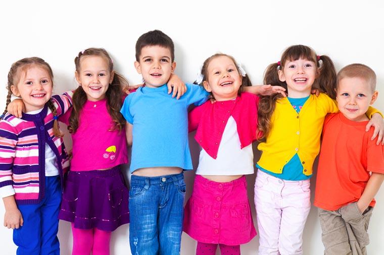 بحث حول اهمية رعاية الطفولة