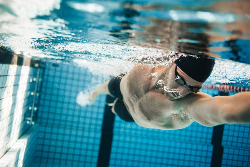 فوائد رياضة السباحة