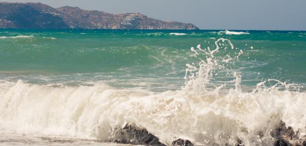 الفرق بين البحار والمحيطات والانهار