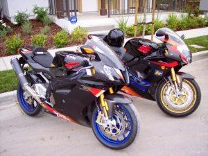 افضل دراجة نارية العالم Aprilia-RSV-1000R-Mi