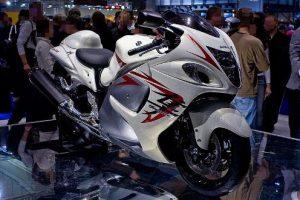 افضل دراجة نارية العالم Suzuki-Hayabusa-300x