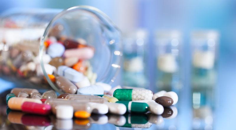 أسماء الأدوية العلمية والتجارية واستخداماتها