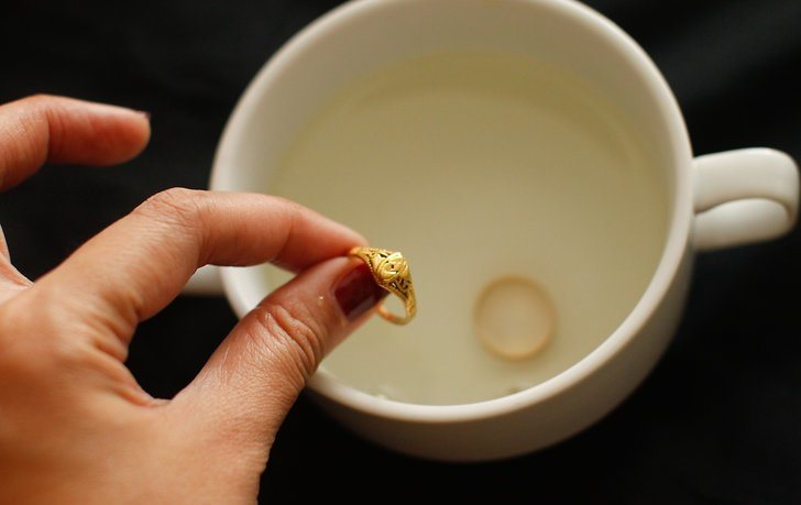 طريقة تنظيف الذهب بالخل