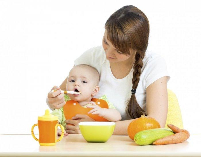 جدول تغذية الطفل الرضيع في الشهر السادس