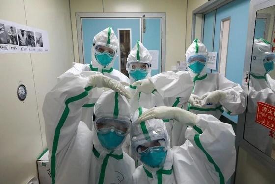 فيروس كورونا في الامارات