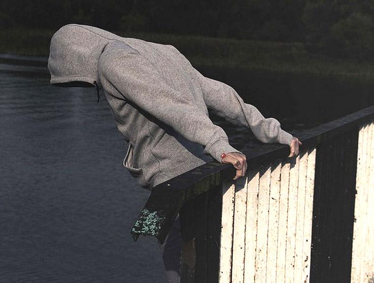 حل مشكلة الاكتئاب عند المراهقين