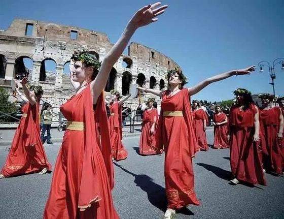 عادات وتقاليد ايطاليا