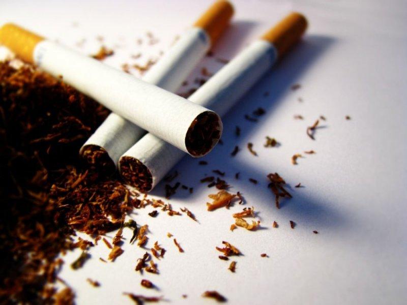 موضوع انجليزي عن التدخين قصير وسهل