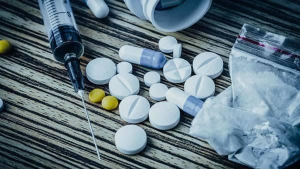 اعراض المخدرات والحبوب