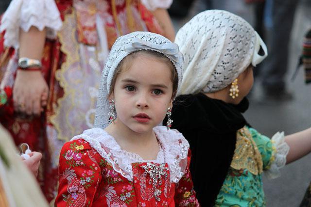 الزي الايطالي التقليدي للنساء Nacionalnij-kostyum-italii-foto_7