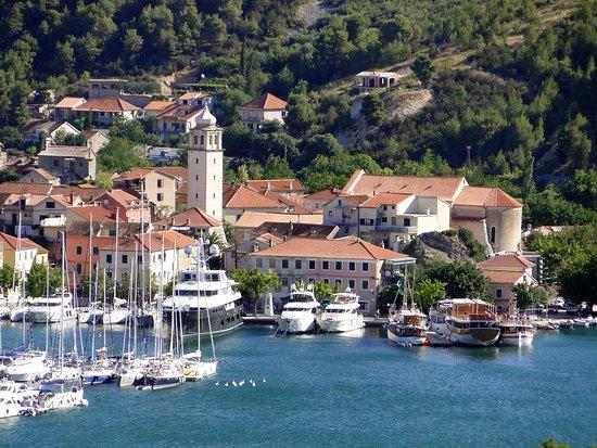 اجمل المدن في كرواتيا %D8%A7%D9%84%D8%B3%D9%8A%D8%A7%D8%AD%D8%A9-%D9%81%D9%8A-%D8%B3%D9%83%D8%B1%D8%A7%D8%AF%D9%8A%D9%86