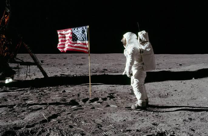موضوع عن سياحة الفضاء