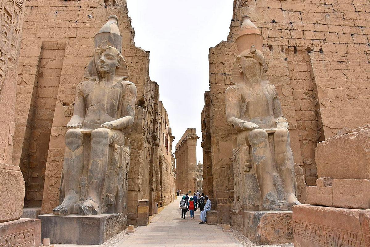 تعبير عن أهمية السياحة اقتصاديا واجتماعيا وثقافيا