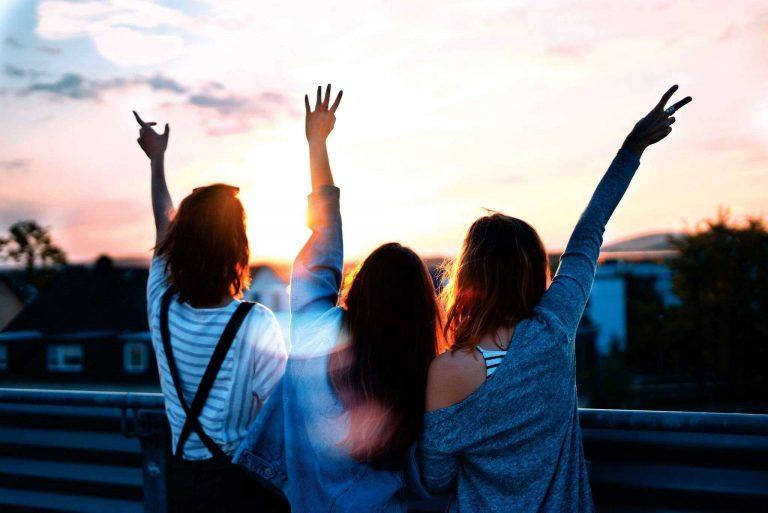اهمية الصداقة بالانجليزي