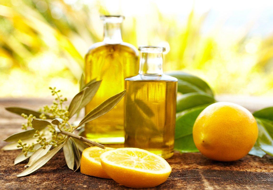 فوائد زيت الليمون لتفتيح المناطق الحساسة