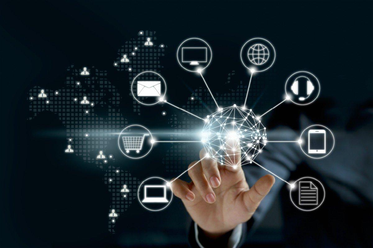 خصائص الثورة المعلوماتية
