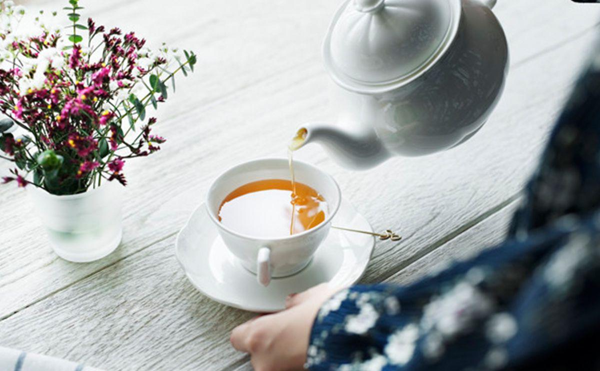 هل يؤثر الشاي الاحمر على الدورة الشهرية ؟