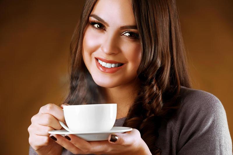 هل شرب القهوة يؤخر الدورة الشهرية