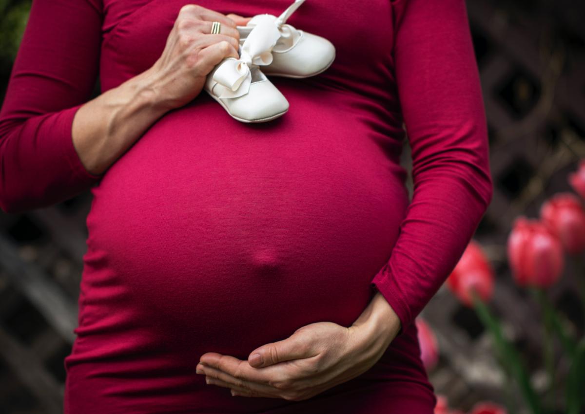سبب تأخر الحمل مع انتظام الدورة
