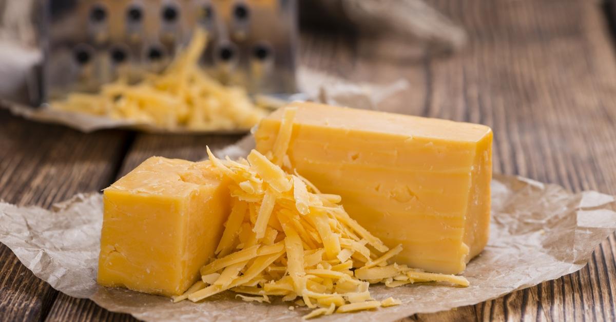 أضرار الجبنة الشيدر