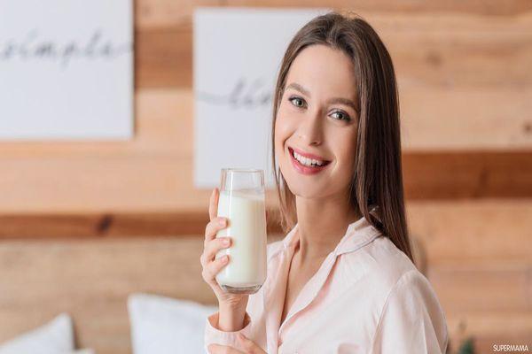 هل شرب الحليب يبيض البشرة